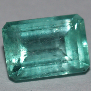 0.90 Carats Colombian emerald