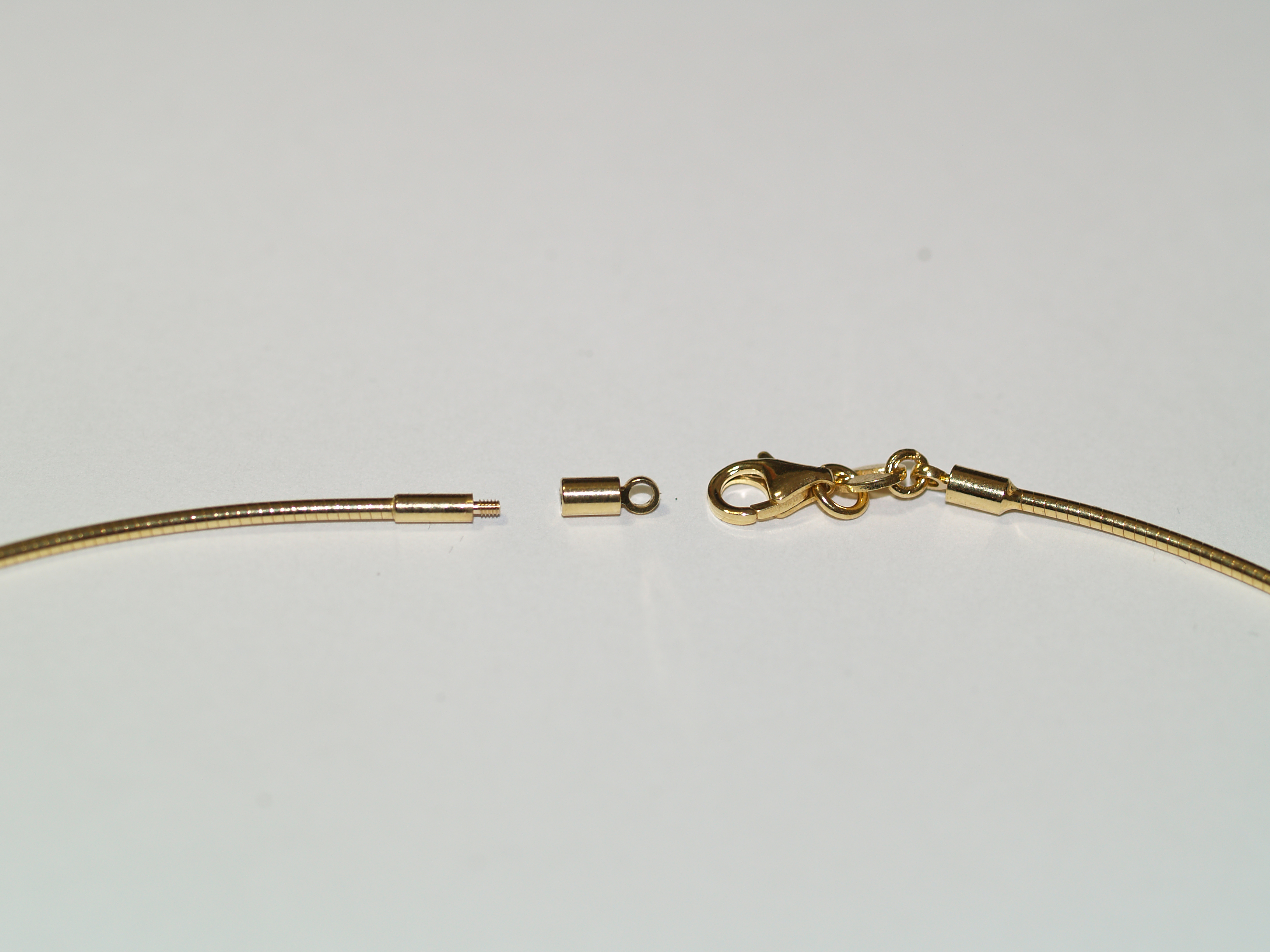 Omega Chain 1.00mm 14K yellow gold
