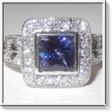 BAGUE OR BLANC AVEC TANZANITE NATUREL ET DIAMANTS