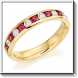 Bague semi-mémorable Ruby Brilliant en or jaune 18K