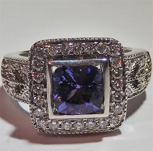 Anillo de oro blanco 18K con tanzanite y brillantes 2.80 Quilate